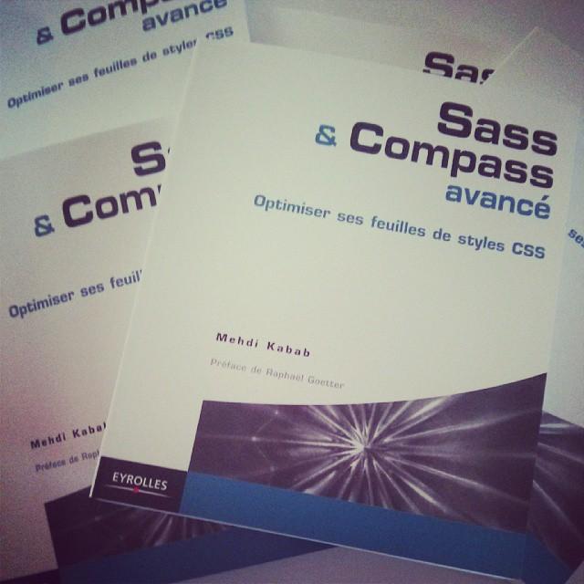 Plusieurs exemplaires du livre Sass et Compass avancé